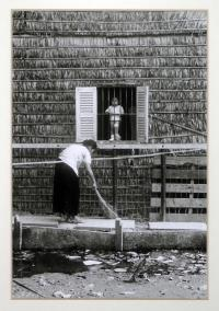 artists/Fearon, Greg/thumb/Fearon, Greg - Injured Girl.jpg